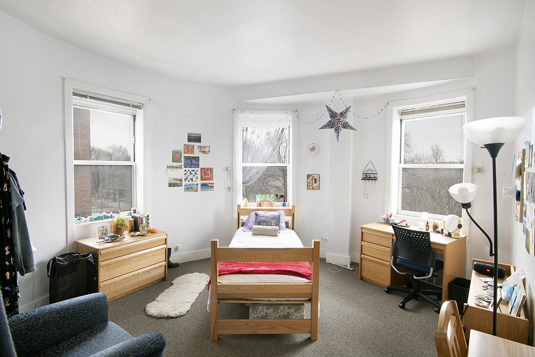 Woodbridge student room